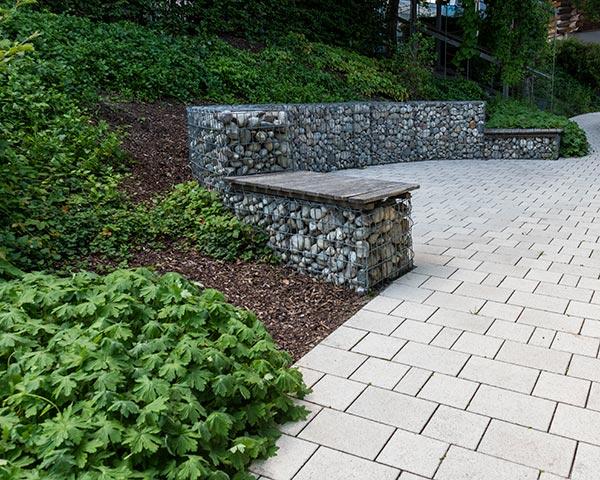Pflasterarbeiten mit Schlosser Gartenbau